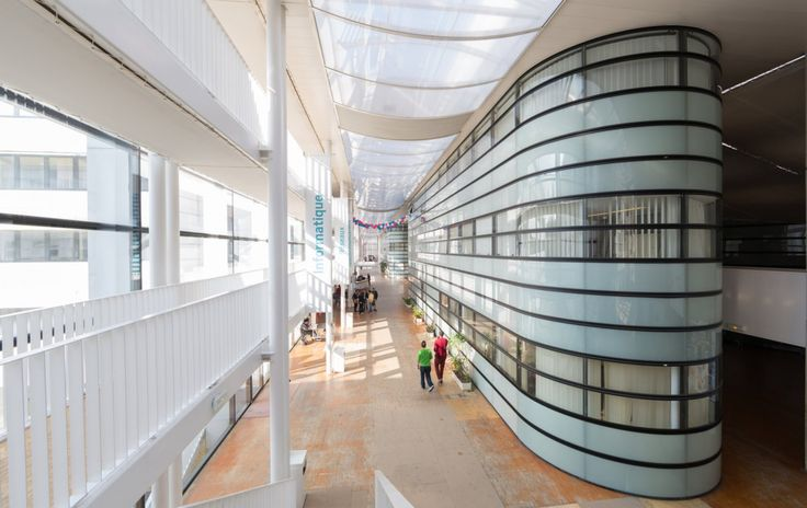 27,000 sqm Engineering school, 10 minutes away from Paris, France