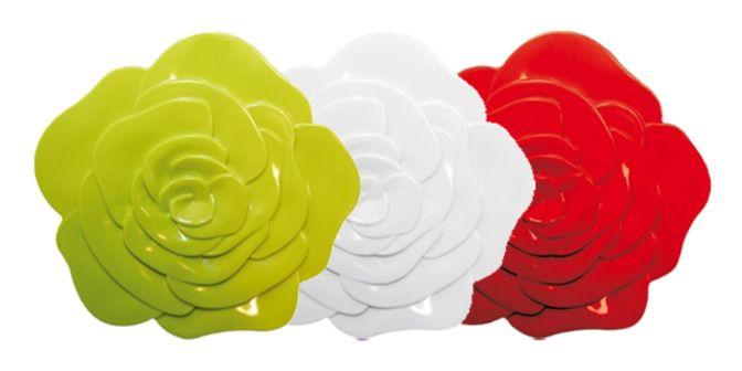 """SOTTOPIATTO """"Rosa"""" - Zak! Designs Sottopiatto interamente realizzato in MELAMINA:  La Melamina è un materiale di prima qualità estremamente resistente alla rottura, lavabile in lavastoviglie e utilizzabile in frigo/freezer; non assorbe odori e sapori ed è ideale per una presentazione degli alimenti ecocompatibile e igienica. Dimensione: Ø16cm con n°5 gommini antiscivolo. Disponibile in diversi colori: VERDE, BIANCO e ROSSO. NON UTILIZZABILE NEL FORNO A MICROONDE!"""
