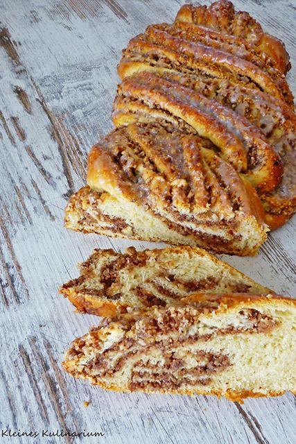 Hausgemachter Nusszopf wie vom Bäcker. Mit einer Prise Zimt wird die Nussfüllung besonders fein. Inklusive Anleitung zum Formen
