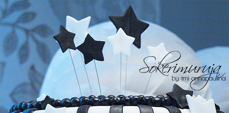 Sokerimuruja : Samu, sinä olet tähti! Onnea 2-vuotiaalle!  Sugarpaste stars on a Black and White cake.