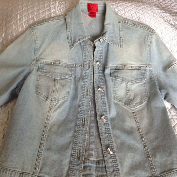 Vera Vera M denim jacket Gorgeous W/ Rhinestones throughout entire jacket Vera Vera Jackets & Coats Jean Jackets