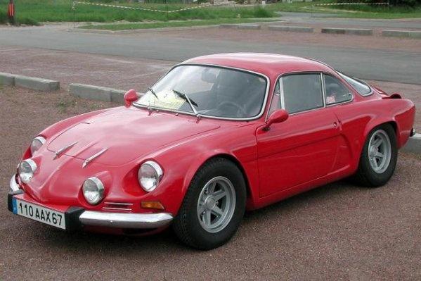 Alpine A110 in red