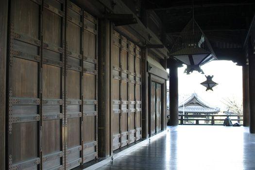 Walkway along the main building at Nishi Honganji, #Kyoto, #Japan