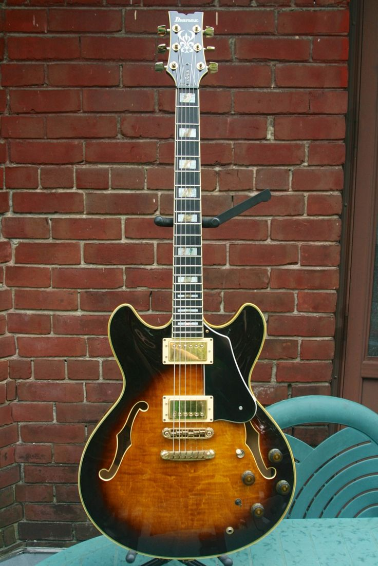 Ibanez AS-200