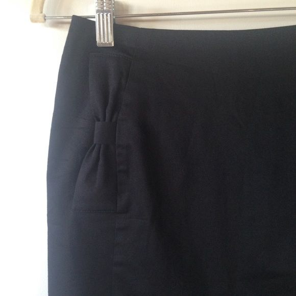 h m black pencil skirt with bows and gold zipper black