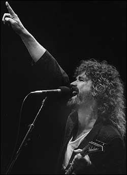 Brad Delp what a incredible voice and range! There was nothing quite like his vocals.