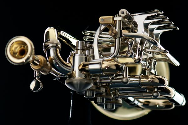 Rotary piccolo trumpet - front view (Egger)