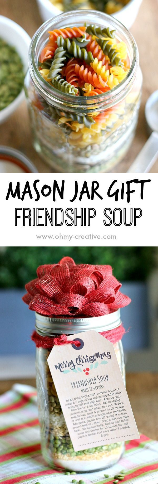 Edible gifts create the perfect personal touch for gift giving during the holiday season. This Soup in a Jar Gift makes a great gift for friends, neighbors and co-workers! Its so easy to make soup in a jar recipes - a real time saver at the holidays. This mason jar recipe makes a tasty Christmas soup! | http://OHMY-CREATIVE.COM