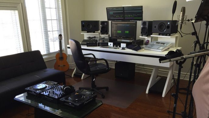Looking to build a home recording studio and not sure where to start? Check our guide to find the best home recording studio equipment