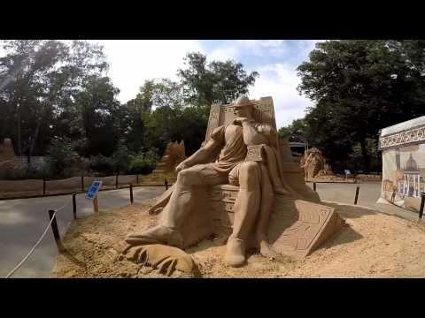 Всероссийская выставка скульптур из песка «Из глубины веков» в парке Сок...