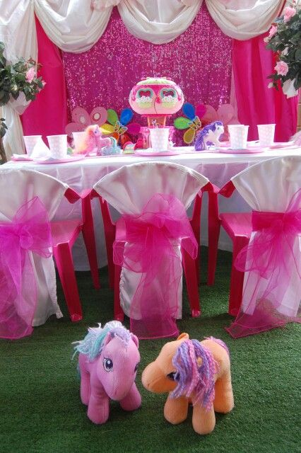 My Little Pony table setting with backdrop