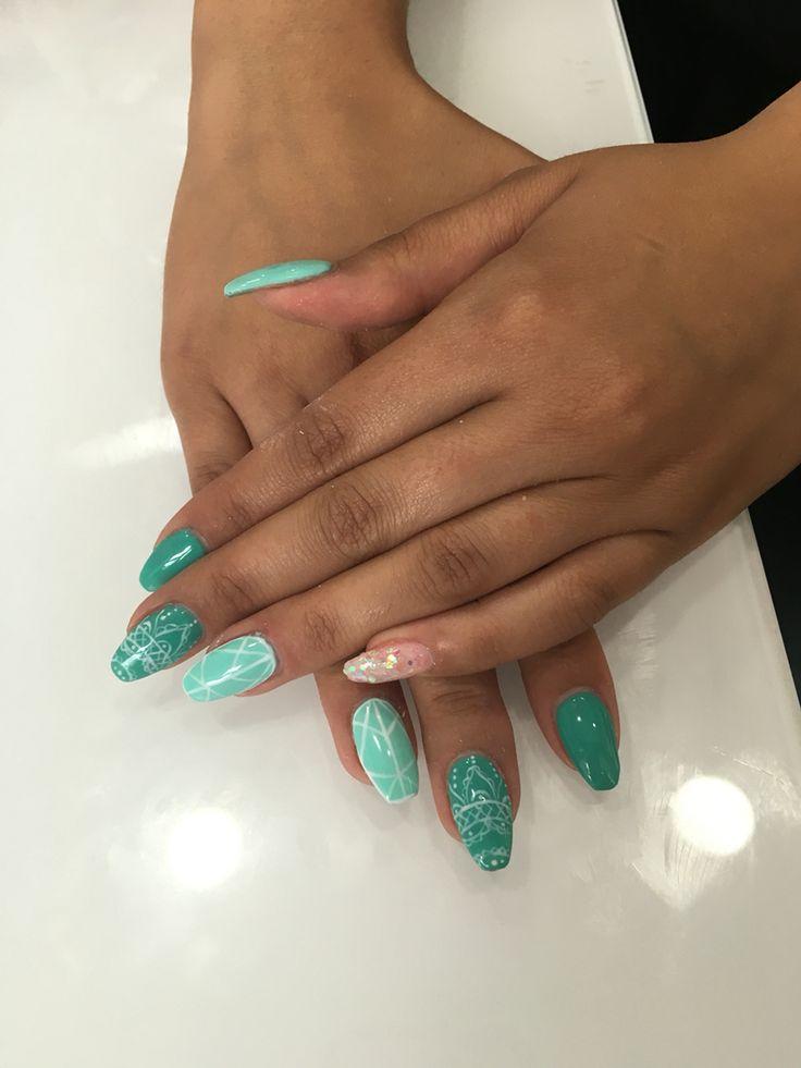 Nails art verde summer
