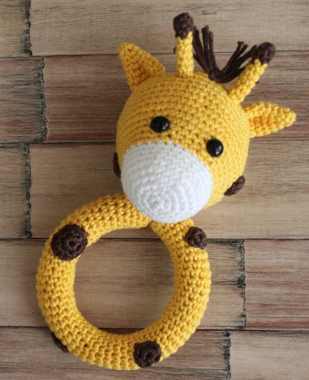 Häkelanleitung für eine Babyrassel, Giraffe Maja / cute crochet ebook for a baby rattle made by Leena's Fadenreich via DaWanda.com