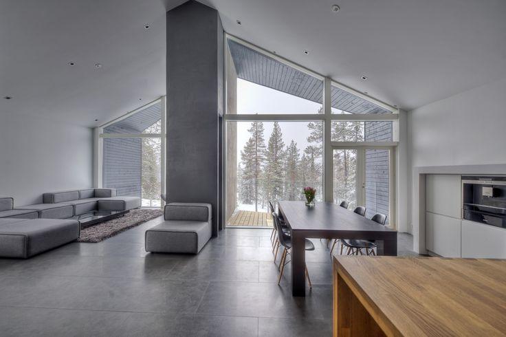 Yksilöllisesti suunniteltu loma-asunto  Valmistumisvuosi: 2012 Pinta-ala: 290 m² Sijainti: Pohjois-Suomi Pääsuunnittelu: Plusarkkitehdit Oy Talot