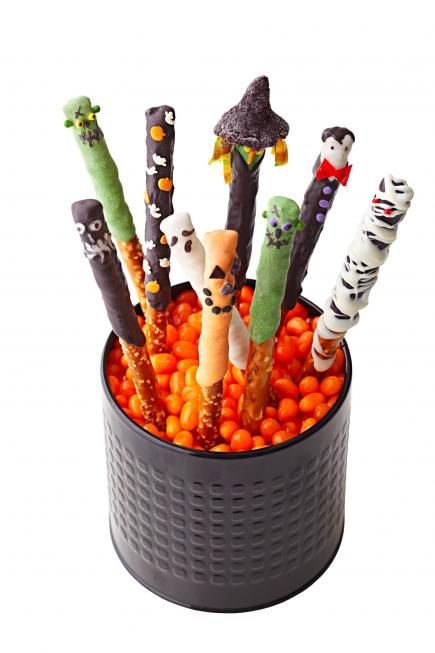30 Easy Halloween Sweets and Snacks | Midwest Living
