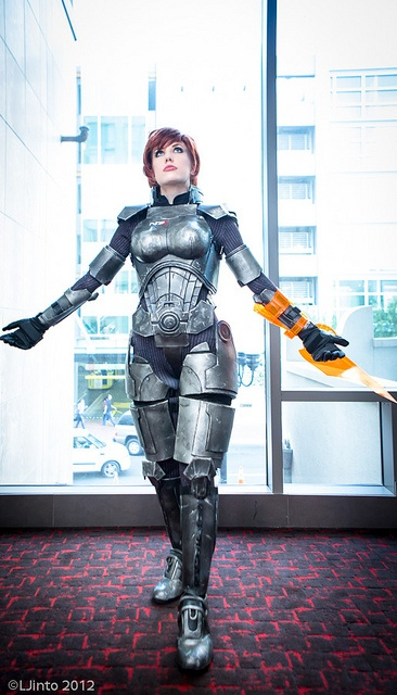 SDCC mass effect cosplay I'm a sucker for some mass effect lol