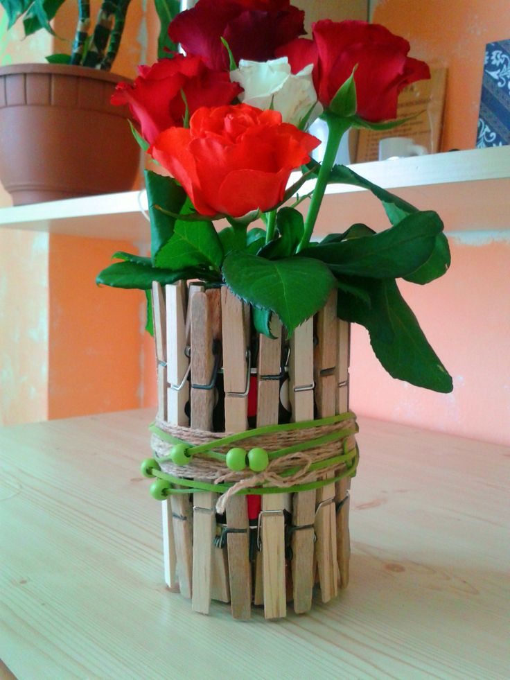 Decorating ideas for the home - vase made of clips