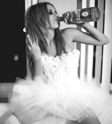 Alkol ve sigara kullanıyorum ama insanları kullanmıyorum orospu çocuklarıyla aramda ki fark bu !.