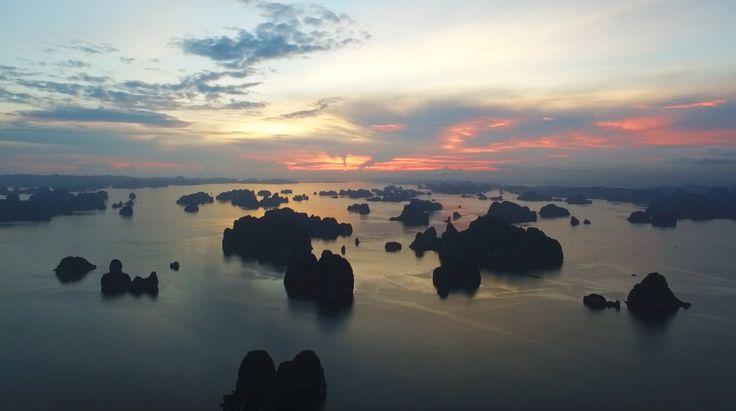 A glorious sunrise from aboard Indochina Junk's cruise while sailing through Bai Tu Long Bay. 🌅 #indochinajunk #sunrise #baituong #vietnam