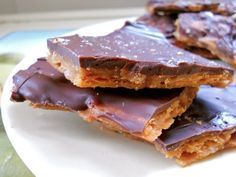 I found this recipe on one of the forums on Canadianparents.com Homemade Skor Bar Soda cracker or Breton, or Melba toast, or crack wheat crackers (any type of cracker with no flavor to it &#…