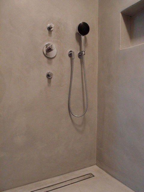 Weisse Dusche aus Terreno von meinem Kollegen Dirk Sievers, Hamburg