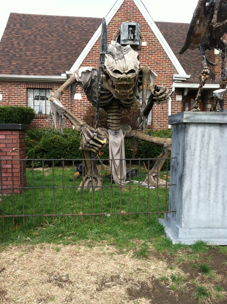 132 best Halloween Decor (Ghosts  Goblins at Your Door) images on - halloween decorations for the yard