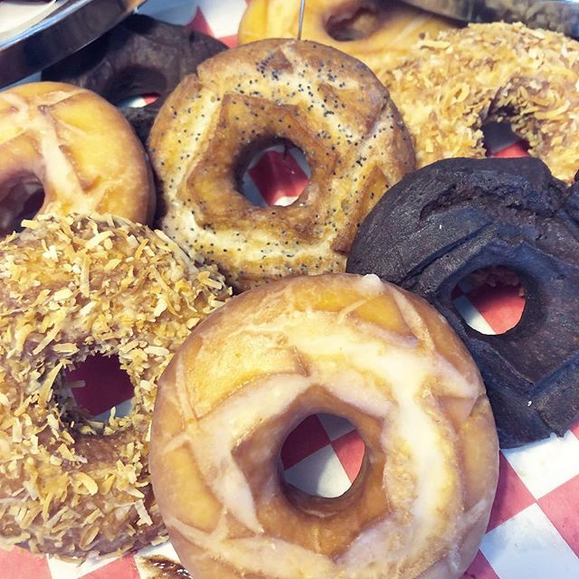 Did you know that we do Cake Donuts now? Real Cake Donuts are fried donuts raised with baking powder theyre soft and sweet and theyre in our kitchen!!  #thepiepiper #doornutsnz  #donuts #donuteers #donuteerstotherescue