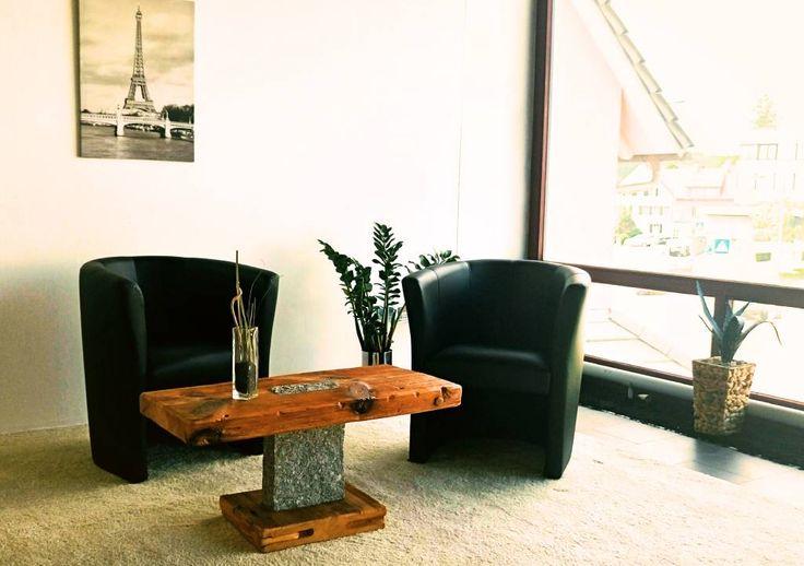Couchtisch Granit - Designmöbel aus antikem Holz (von woodesign Christoph Weißer)