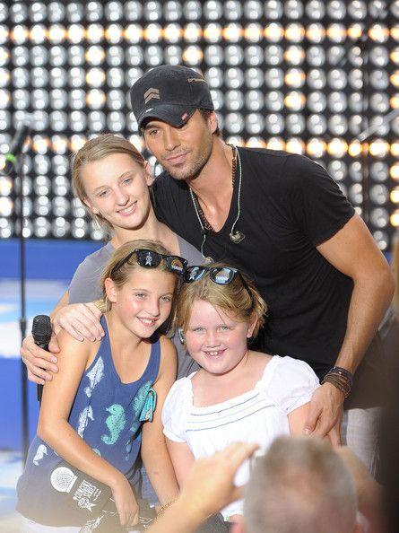 """Enrique Iglesias Photos  - Enrique Iglesias Performs On NBC's """"Today"""" - July 16, 2010 - Zimbio"""