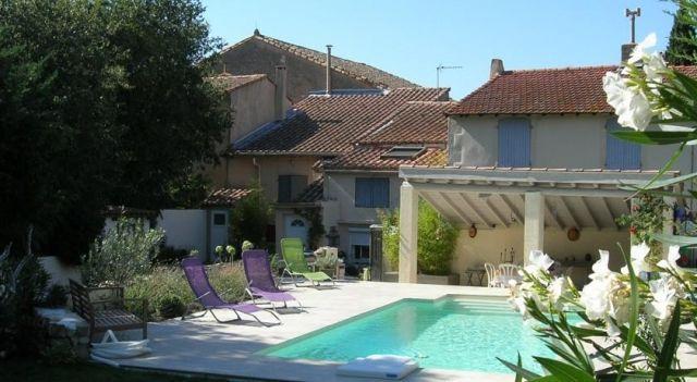 Mas Calbret - #BedandBreakfasts - EUR 67 - #Hotels #Frankreich #Saint-Étienne-du-Grès http://www.justigo.at/hotels/france/saint-etienne-du-gres/mas-calbret_68136.html