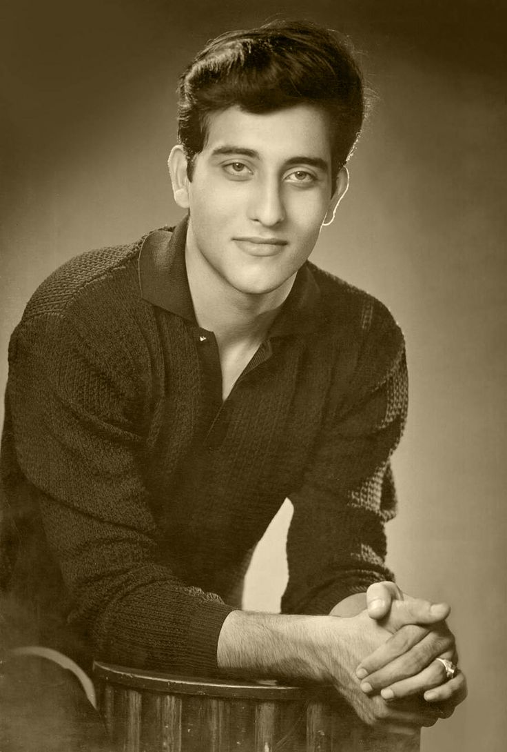 Vinod Khanna | Indian Film Industry