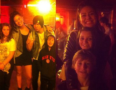 calum hood, mali-koa hood, harry irwin, and lauren irwin. Go Harry for wearing a Manchester United sweatshirt!!!