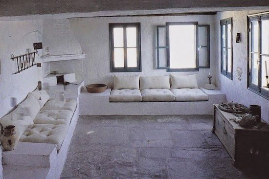 Introducing New Worlds With A Shrug: Insides: Greek Homes Part Deux