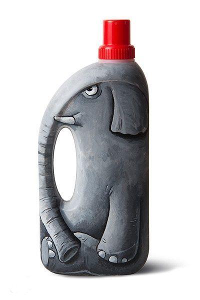 Großartig! Eine mit Waschmittel bemalte Flasche wird zum Elefanten! / C ist ge