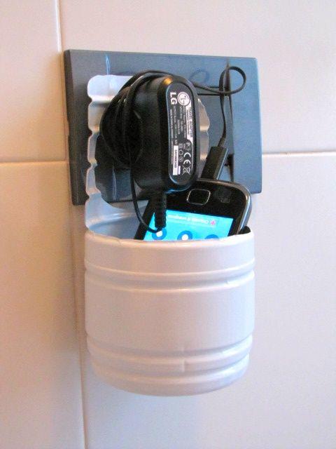 Una bellissima idea!!  http://giocabosco.blogspot.it/2012/07/riciclare-bottiglie-di-plastica.html