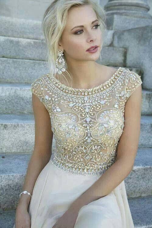 Stunning! For more wedding dress inspiration, visit www.bellabride.co.za