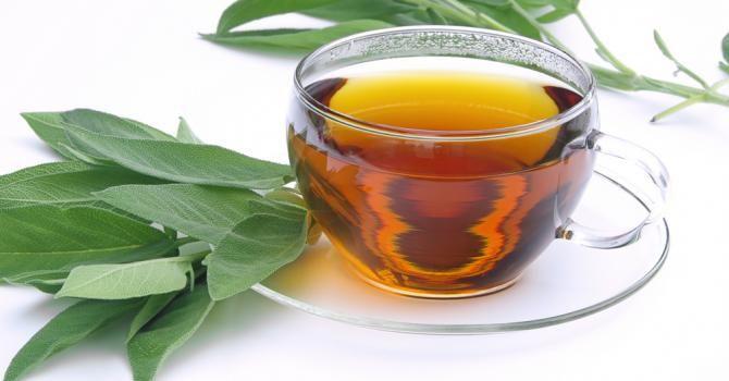 Recette de Sirop de sauge pour un ventre plat . Facile et rapide à réaliser, goûteuse et diététique. Ingrédients, préparation et recettes associées.