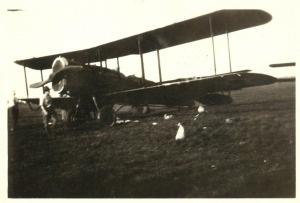Bi-plane at Scott Field during an air show, 10 August 1924.Scott Fields, L'Wren Scott, 10 Auguste, Auguste 1924