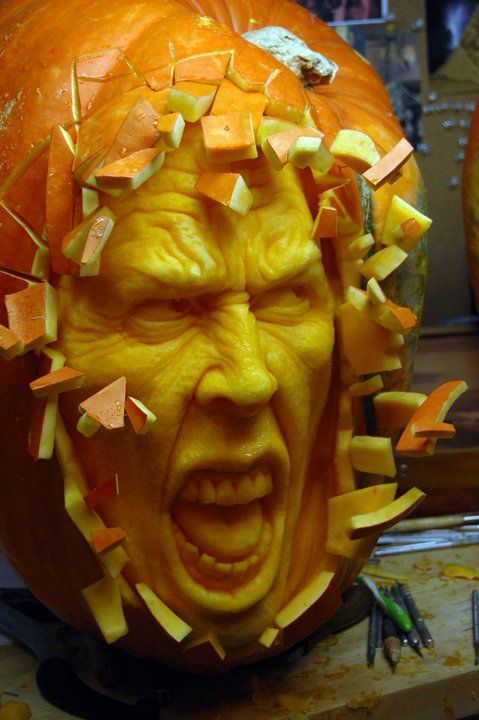 Realistic 3D Pumpkin Carvings by Food Sculptor Ray Villafane. More: http://villafanestudios.com/