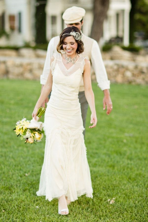 Great idea for the grooms outfit in the back! 46 Great Gatsby Inspired Wedding Dresses and Accessories