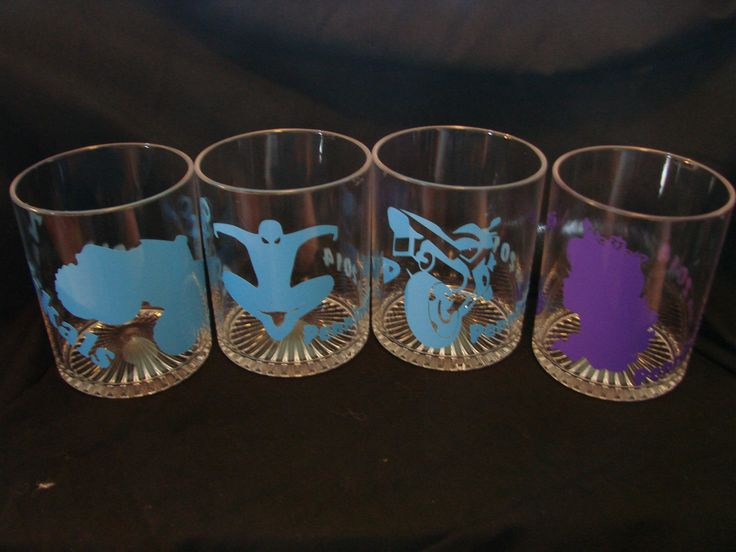 Put fun vinyl pictures on your bar glasses
