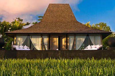 Sebuah desain vila resort pinggir pantai Kuta - Lombok, berupa rumah Joglo benuansa minimalis modern.