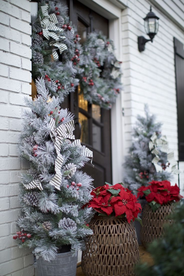 Classic Front Door Holiday Decor