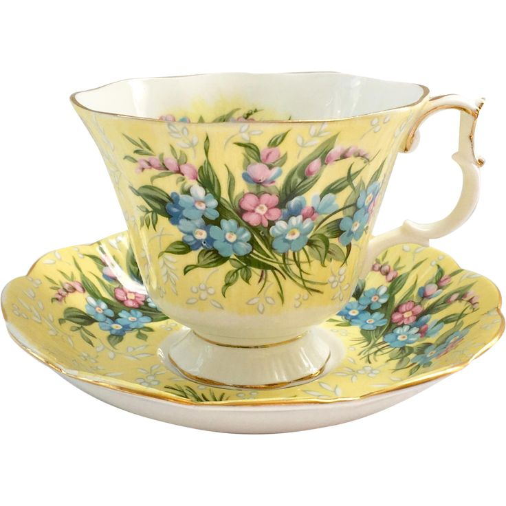 Another wonderful example of the fine quality of Royal Albert Bone China is offered here in this Shaftesbury Yellow Teacup and Saucer from the