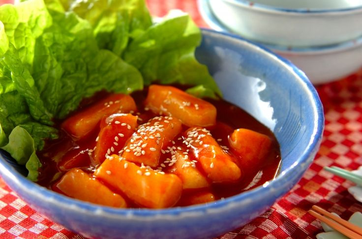 切り餅を使って、手軽に韓国の人気メニュートッポギにアレンジ! 柔らかく、食べやすいです。簡単トッポギ風[中華/茹でる]2017.01.02公開のレシピです。
