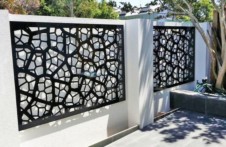 Rendered walls made more beautiful and interesting with decorative screens: This is a black-painted, aluminium composite 'Pretoria' design. ~QAQ #decorativescreens #walldecor #gates #homeimprovement