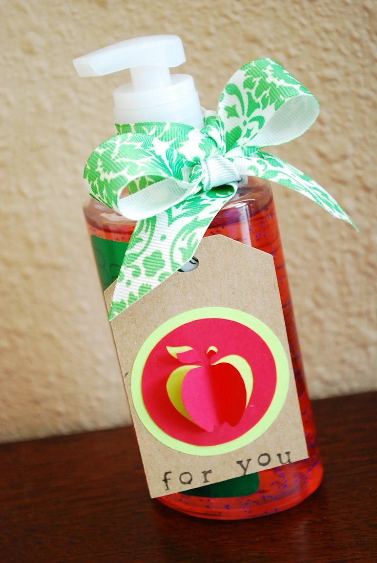 Hand sanitizer teacher giftTeachers Gift Tags, Teacher Gifts, Cute Teachers Gift, Sanitizer Teachers, Hands Sanitizer, Gift Ideas, Creative Handmade, Diy Gift, Handmade Gift