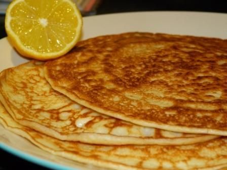 low FODMAP pancake recipe http://www.huffingtonpost.co.uk/diane-taylor/gluten-free-pancake-day-recipes-free-from-gluten-wheat-dairy_b_1288468.html?ref=tw