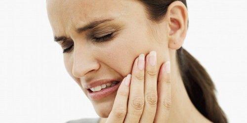 Typisch für eine Trigeminusneuralgie sind blitzartige Schmerzattacken im Gesicht. Schmerzen dieser Art zählen zu den stärksten überhaupt.