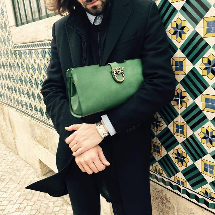 @giancarlocanalebruni_ Woeldwide Retail Operation Director of MAGRI' #azulejos #Lisboa #portugal #lisboaeuteamo @magriofficial #luludoclutch #bag  #magri_handbags #magri #craftedinflorence #italianstyle #timelesselegance #sophisticated #madenitaly #italiancraftmanship #italianglamour #luxuryhandbags #handbags #magribag #powebags #instchic #instglamour #instfashion #like4like #instbag #magriofficial #etabetapr #magripress www.magri.com @magriofficial #igerslisbona #magriworld